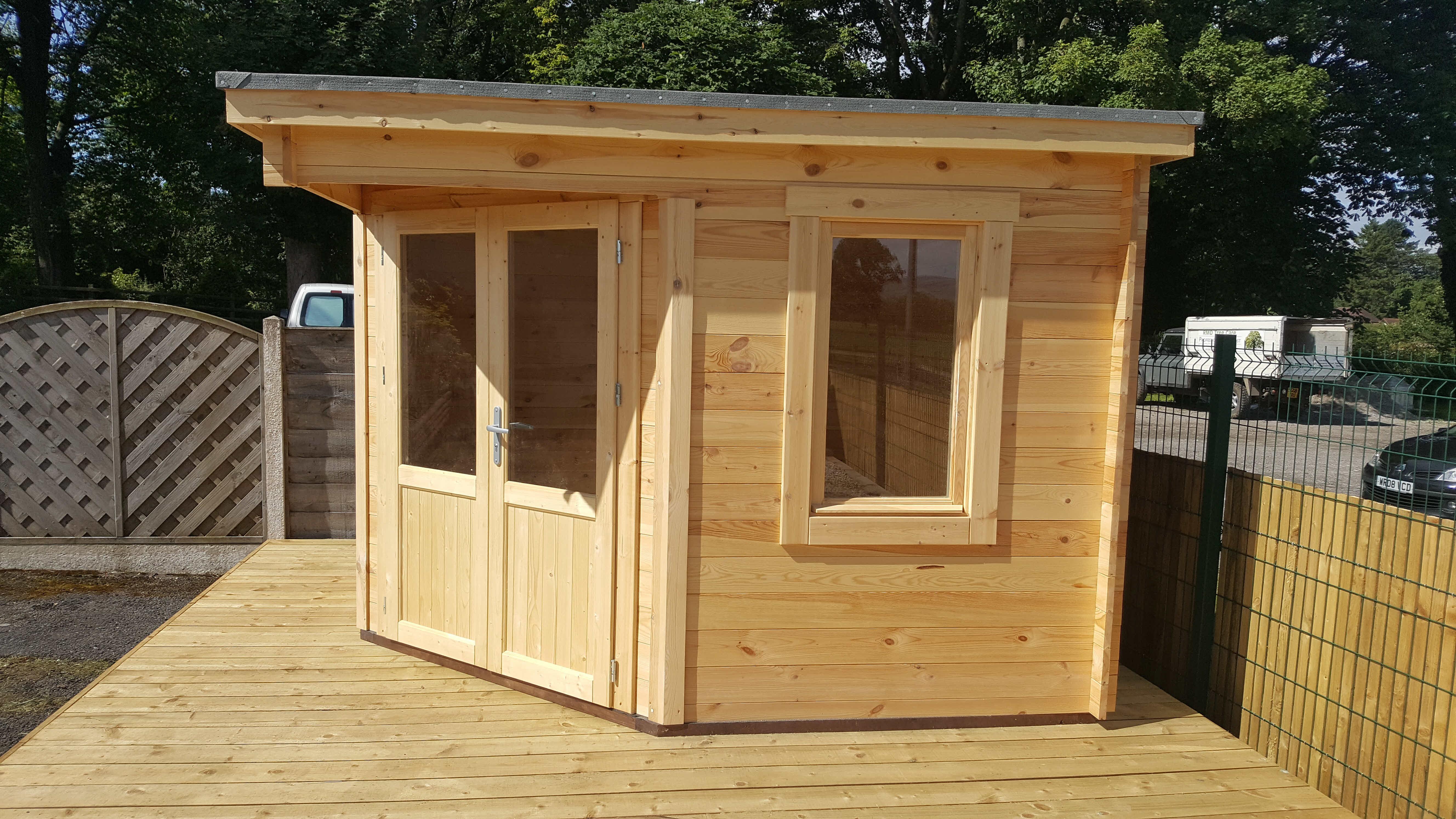 Corner Log Cabin in 28mm Blackburn